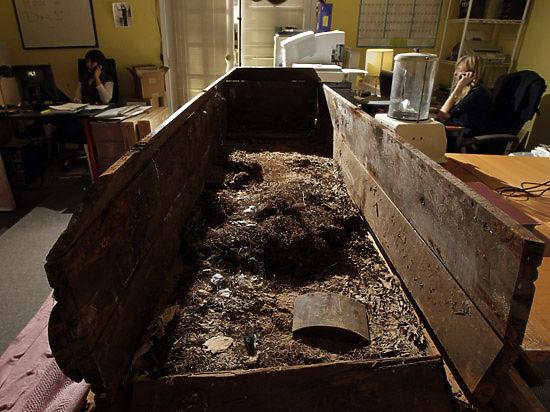 Гроб убийцы Кеннеди продали за $87500, но для россиян это не предел