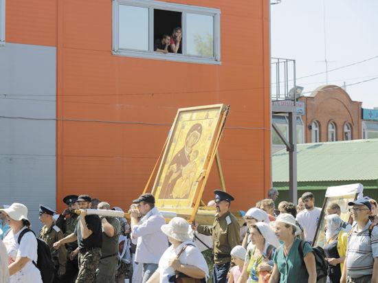 Сотни человек попали к врачам после Крестного хода в Сергиевом Посаде