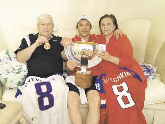 Овечкин угостил Путина чемпионским шампанским