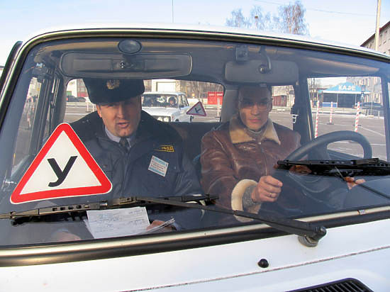 В России теперь можно сдавать на права с автоматической коробкой передач
