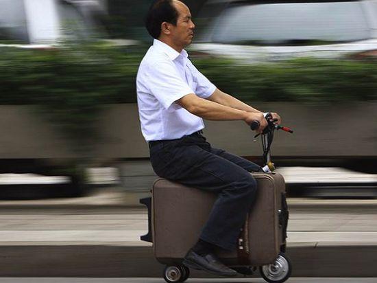 Возить путешественников будет мото-чемодан