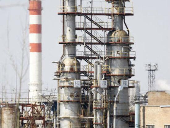 При химическом ЧП на нефтезаводе в Капотне работницу спасли очки