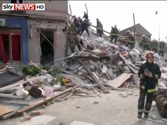 В Париже взрыв разрушил жилую четырехэтажку