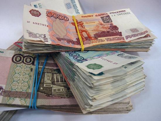 Полицейский перепутал карманы, пытаясь избавиться от взятки