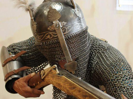 Для Владимира Путина изготовили доспехи древнего воина