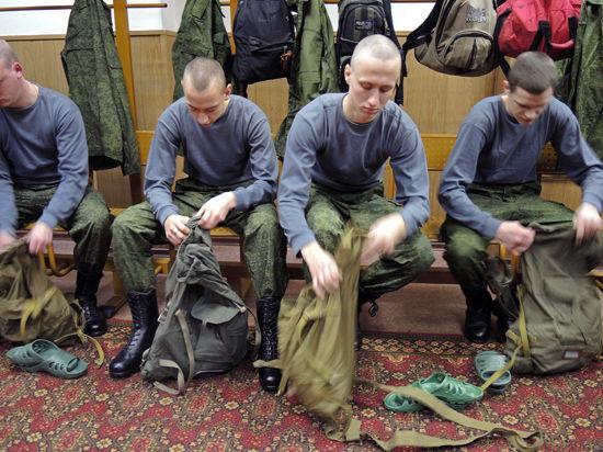 Служба в армии по контракту: Минобороны проводит эксперимент