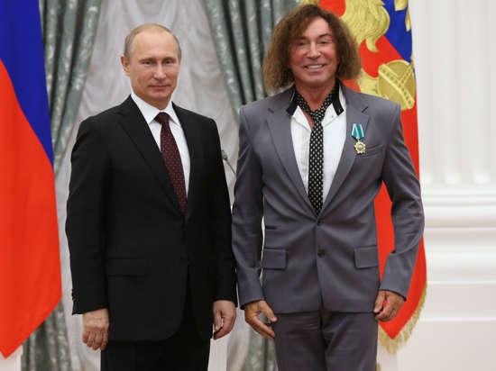Валерий Леонтьев продырявил новый костюм из-за Ордена Дружбы