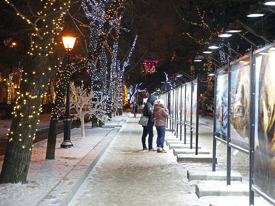Москвичи в Новый год смогут порадоваться снегу и не надевать шапки