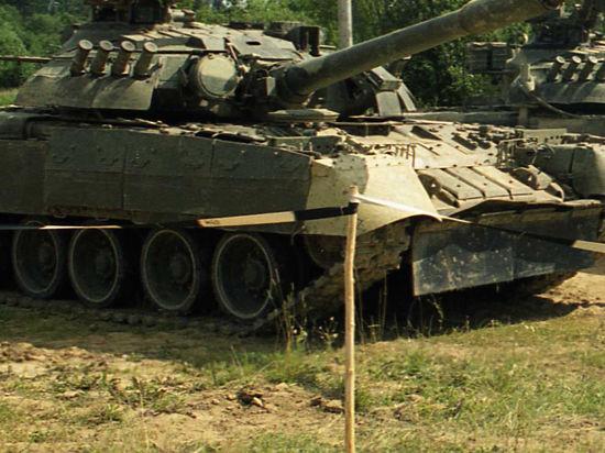 На Славянск наступают танки