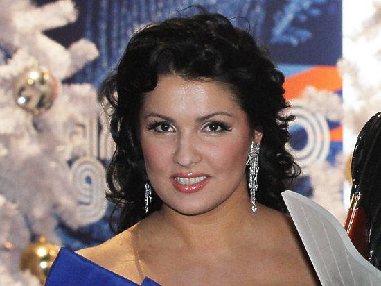 Анна Нетребко выплатила зарплату солистам Донецкого Национального театра оперы и балета