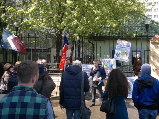 Преподаватели университета управления вышли на запрещенный митинг