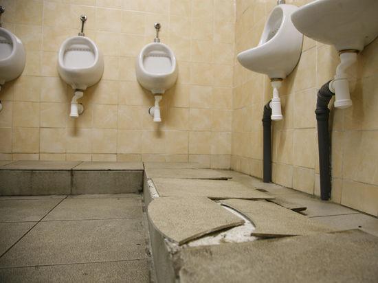 Столичные сортиры дурно пахнут: как в Москве устроен туалетный бизнес