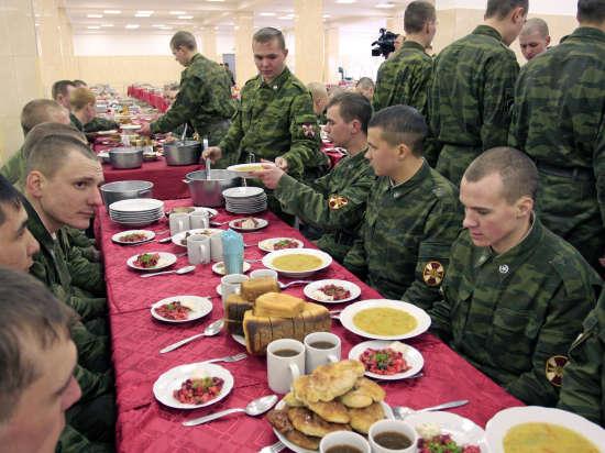 Военные повара устроят «адскую кухню» прямо на полигоне