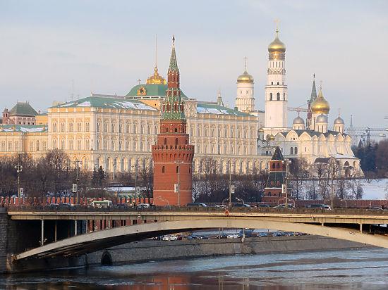 Ближе к «мусору»: агентство S&P готовится пересмотреть кредитный рейтинг РФ