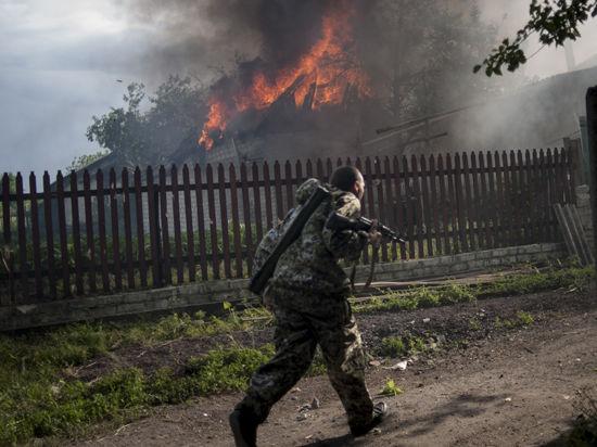 Украинские военные открыли огонь по машине «скорой помощи» с ранеными в Донецке