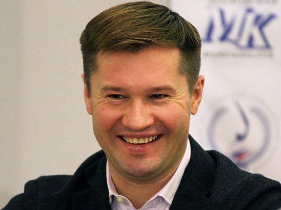 В центре Москвы хулиганы помочились на машину чемпиона Алексея Немова