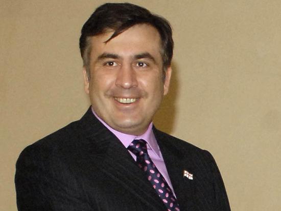 Саакашвили вернул Грузии долг - семь костюмов и кашемировое пальто