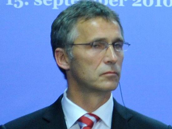 Генсек НАТО переключился с России на Украину, напомнив Киеву о минских договоренностях