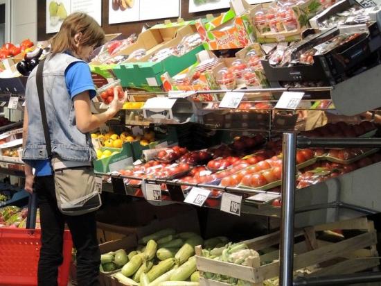 Подмосковье предлагает квотировать долю иностранных производителей продуктов в розничной торговле