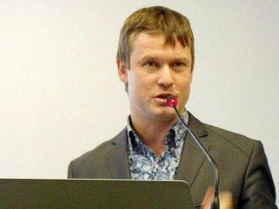 Леонид Развозжаев хочет получить статус беженца и тут же от него отказаться