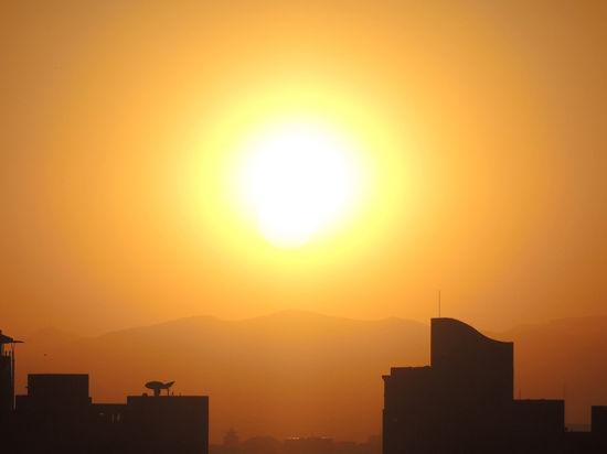 Аппарат NASA впервые заcнял гигантский выброс коронарной массы наСолнце