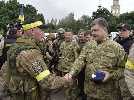 Верховная Рада разрешила президенту Порошенко мобилизовать население Украины