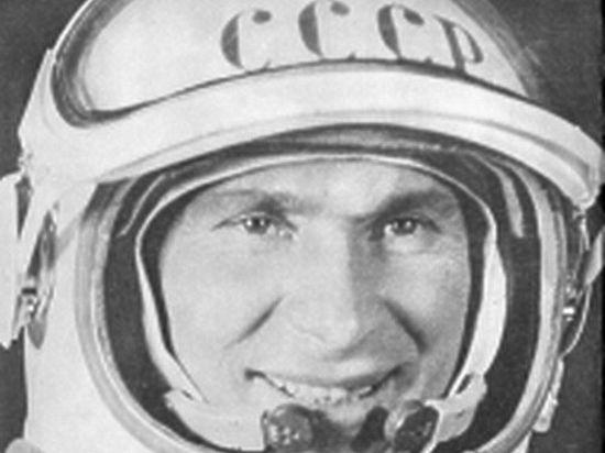 В этом году знаменитому космонавту-вологжанину исполнилось бы 90 лет