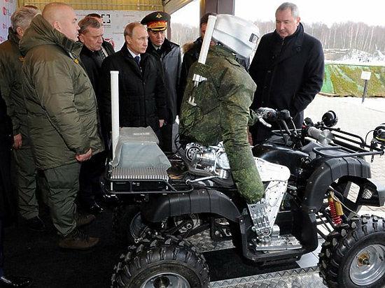Президенту Путину показали национального боевого робота-аватара в действии