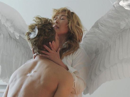 От ангельского трэша певицы опешили все, кроме ее мужа
