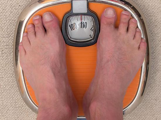 Мужчины теряют вес быстрее женщин
