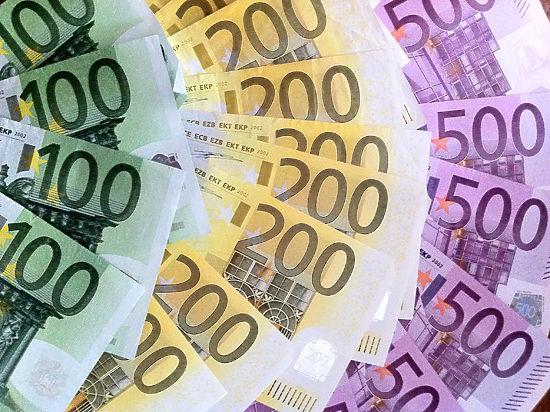 Доллар и евро торжествуют. Почему рубль снова упал