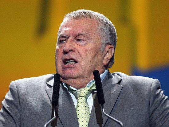 Жириновский предложил высадить в Киеве четыре дивизии ВДВ России