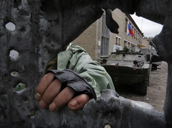 Штурмуя аэропорт Донецка, ополченцы реабилитируются за предательство