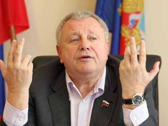 «Политическая ситуация» передала место Титова в сенате Азарову