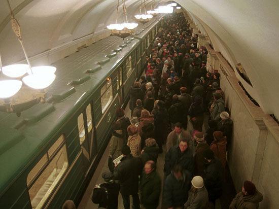 Поезд застрял в московском метро из-за сбоя бортового компьютера