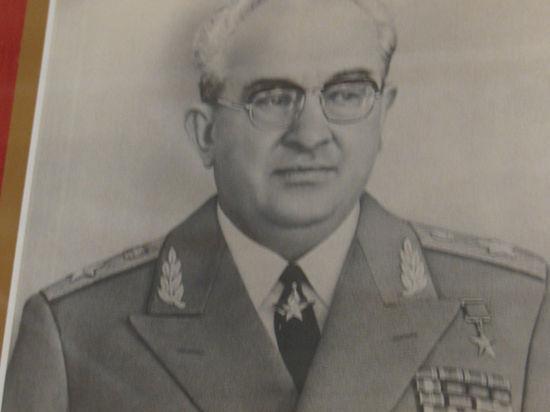 Юрий Андропов боролся с вылазками бандеровцев и «пробивал» материальную помощь матери умершей известной певицы