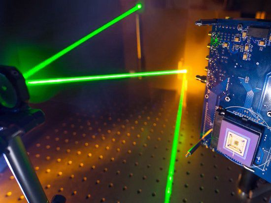 Разработана скоростная камера, позволяющая увидеть фотоны света