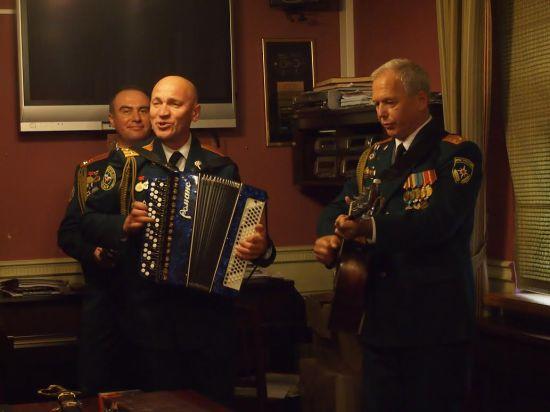 Музыкальный спецназ МЧС нанес ответный визит Новой Опере!