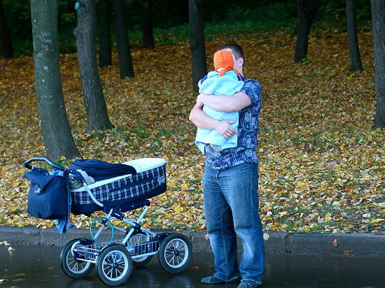 Прогульщикам могут запретить усыновлять детей