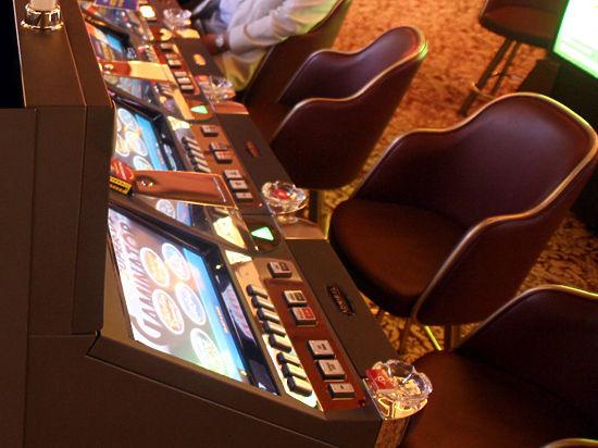 Организаторы нелегальных казино вынуждены мастерить «одноруких бандитов» из стиральных машин