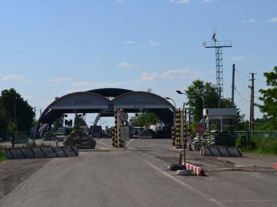 Корреспондент «МК на Дону» побывал на пограничной заставе, взятой под контроль ополченцами, и даже пересек границу Украины без миграционной карточки