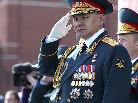 На груди у министра обороны теперь «Андрей с мечами»