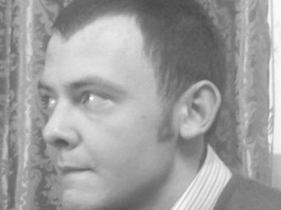 Студент, решившийся  на самоубийство,  обратился за помощью  к памятнику Жукову