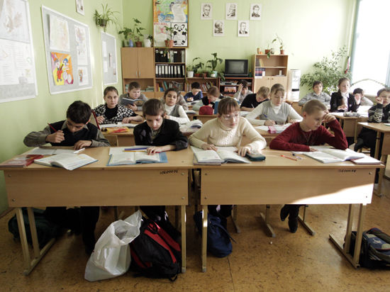 Госдума рассмотрит законопроект об отмене платной продленки в школах