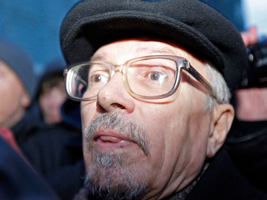 Лимонов о срыве концерта Макаревича: «Открываю утром новости и читаю...»