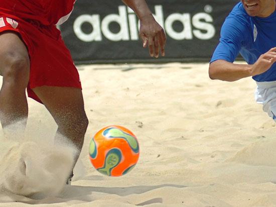 С отечественных газонов на пляжи в Испании: сборная России по пляжному футболу выиграла Евролигу-2014