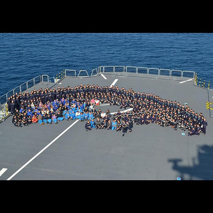 Русские на «Мистрале»: будни и праздники моряков во Франции из соцсетей