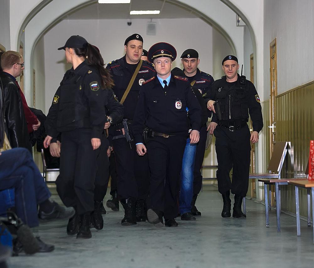 Фигуранты по делу Немцова предстали перед судом: эксклюзивный фоторепортаж