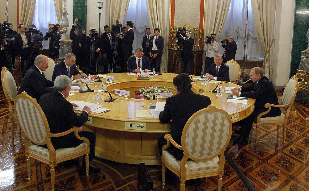 Владимир Путин провел заседание совета ОДКБ