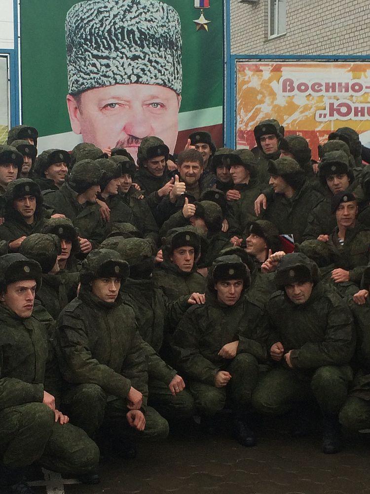 Кадыров проводил в российскую армию призывников из Чечни